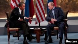 주요8개국 정상회담에 참석 중인 바락 오바마 미국 대통령(왼쪽)과 블라디미르 푸틴 러시아 대통령이 17일 양자회담을 갖고 북한 문제를 비롯 양국 현안들을 논의했다.