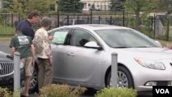 SAD: Prodavci automobila ponovo zadovoljno trljaju ruke