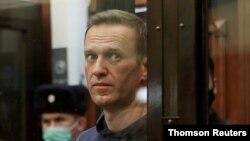 Alexey Navalny em tribunal em Moscovo