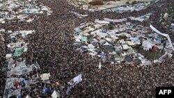Demonstranti na trgu Tahrir, 11. februar 2011.
