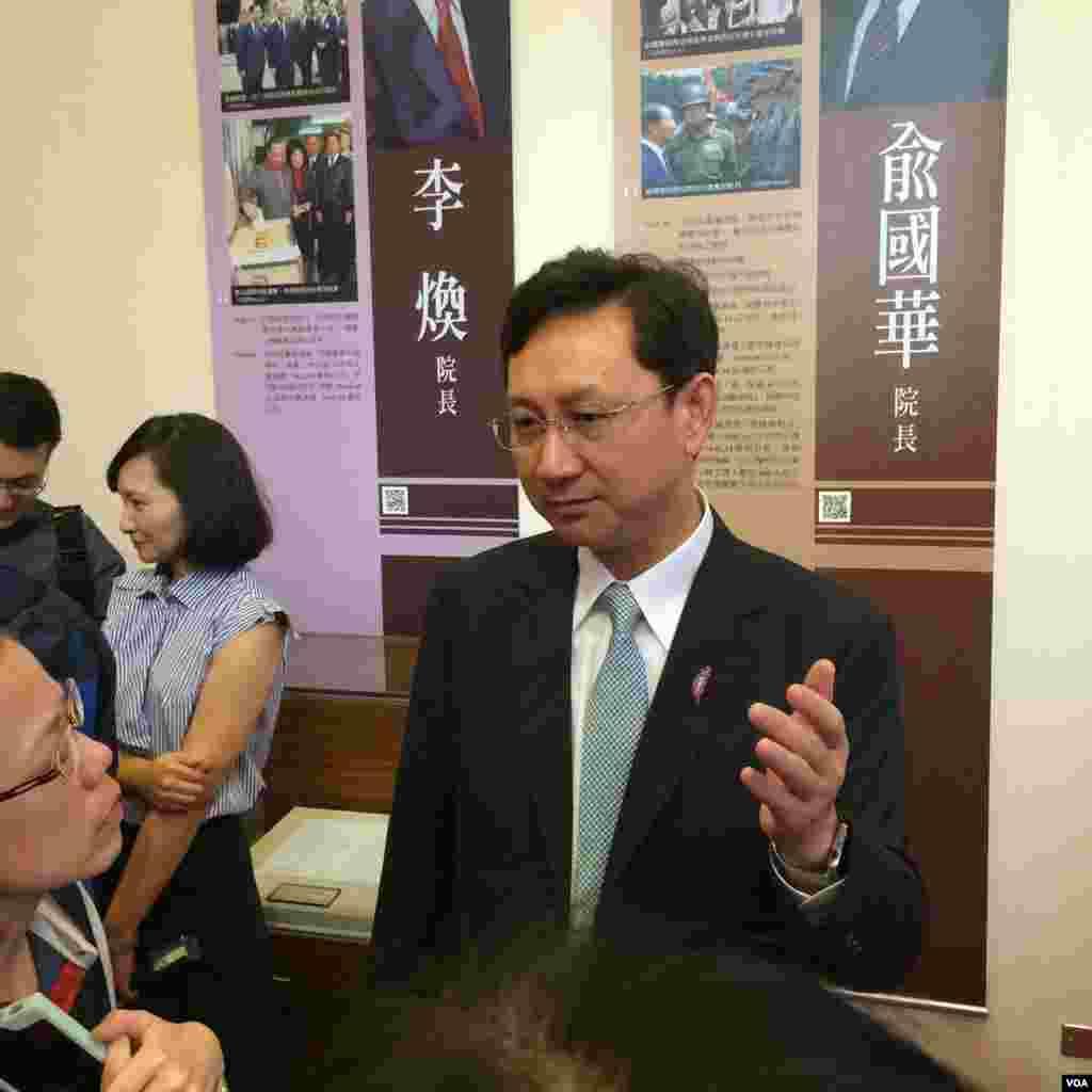 台湾行政院发言人童振源(美国之音齐勇明拍摄)