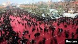 12일 이라크 커발라에서 벌어진 '아쉬라' 행사에 시아파 교도들이 참가했다. (자료사진)