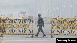 Kompleks industri bersama Kaesong ditutup bulan April di tengah ketegangan yang meningkat antara dua Korea (foto: dok).