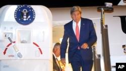 美國國務卿克里克里一直在積極鼓勵以巴雙方向前走。