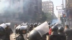 22 Dead as Clashes Rock Cairo for Third Day