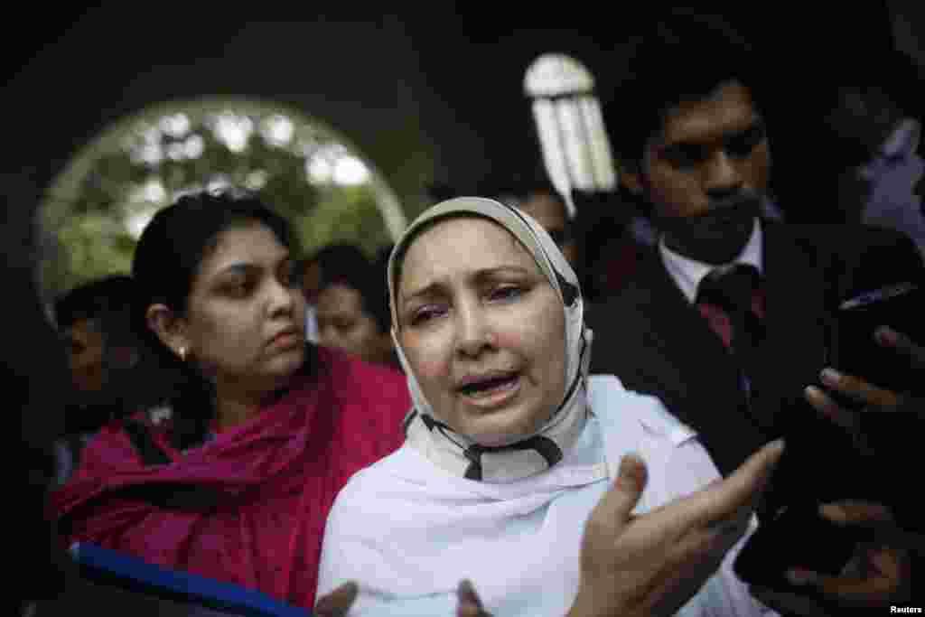 Farhat Quader Chowdhury, the wife of Salauddin Quader Chowdhury, speaks to the media after her husband was sentenced to death, Dhaka, Oct. 1, 2013.