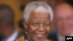 Cựu Tổng thống Nam Phi - Nelson Mandela