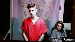 Justin Bieber aparece en conferencia de video en la corte, luego de ser arrestado en Miami.