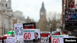 Demonstranti u Londonu traže ostavku premijera Kamerona, 9. aprila 2016.