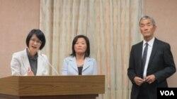 台湾外交两岸事务官员星期四在立法院接受质询(美国之音张永泰拍摄)
