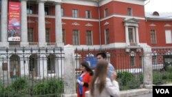 俄罗斯正逐渐恢复它与朝鲜的密切关系。2014年在莫斯科的政治历史博物馆曾举办过朝鲜与俄罗斯友谊历史展览。(美国之音白桦拍摄)