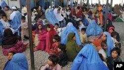 افغان مہاجرین کو پاکستان میں اجازت کار کا منصوبہ زیرغور