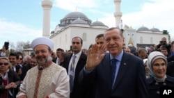 Реджеп Тайип Эрдоган (в центре)