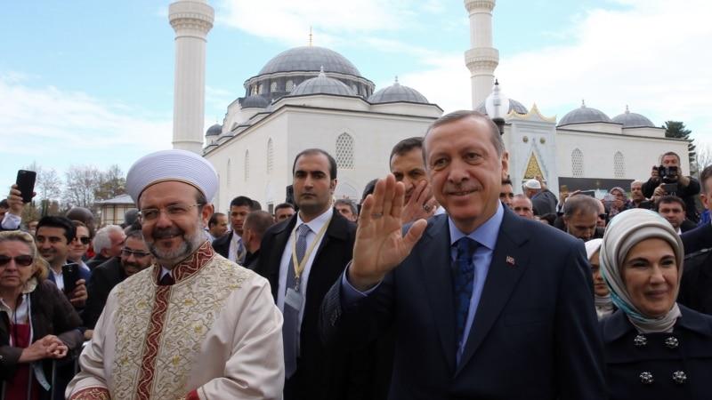 Неизвестные обстреляли изгранатомета сооружение Управления безопасности вСтамбуле