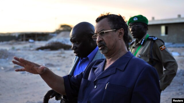 AU Special Representative Mahamet Annadiff Saleh toured AMISOM's Mogadishu base when he arrived in Mogadishu in 2012.