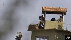 Bizavkar Dibêjin li Şer û Pevçûnan li Sûrîyê bi Kêmî 13 Kes Hatin Kuştin