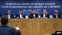 Les juges de la Cour Européenne des Droits de l'Homme avant une audience, à Strasbourg, en France, le 22 novembre 2017. (AFP/ Frederick Florin)