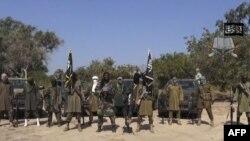 Ông Abubakar Shekau nói trong 1 đoạn video rằng các nữ sinh bị bắt cóc đã cải sang đạo Hồi và đã được gả làm vợ.