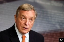Demokrat Partili Illinois Senatörü Dick Durbin