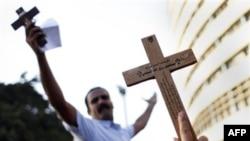 Tín đồ Cơ đốc giáo Coptic Ai Cập xuống đường trong cuộc biểu tình biến thành bạo động ở Cairo, ngày 9/10/2011