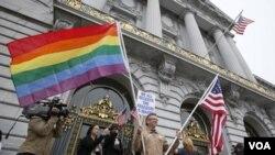 Durante el tiempo en que la decisión se mantuvo a debate en las cortes el estado de Nueva York aprobó su propia ley que autoriza los matrimonios entre personas del mismo sexo.