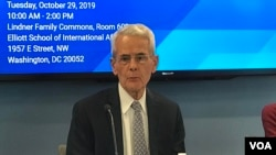 美国乔治华盛顿大学国际事务实践教授沙特2019年10月29日参加台海两岸关系座谈会(美国之音锺辰芳拍摄)