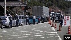 Поліцейський контрольно-пропускний пункт у префектурі Фукусіма