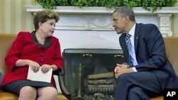9일 백악관에서 정상회담을 가진 지우마 호세프 브라질 대통령(왼쪽)과 바락 오바마 미국 대통령
