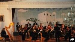 Bραδιά κλασσικής μουσικής στην Αστόρια