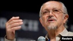 Jose Mario Molina, March 20, 2010