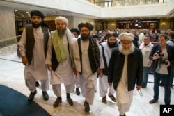 Mullah Abdul Qani Bəradər Moskvada danışıqlar aparan Taliban nümayəndə heyətinə rəhbərlik edir. 28 may, 2019.