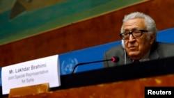"""라크다르 브라히미 유엔 아랍연맹 공동 특사가 지난 27일 스위스 제네바에서 열린 시리아 평화회담에서 """"시리아 정부가 홈스에서 여성과 어린이의 피난을 허용하기로 했다""""고 밝혔다."""