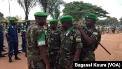 La Force de l'Union africaine lors d'une cérémonie rendant hommage au camp Mpoko de Bangui, le 13 septembre 2014. (VOA/Bagassi Koura)