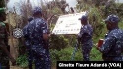 Opération de fermeture des cliniques privées n'ayant pas une base légale, au Bénin, le 24 septembre 2018. (VOA/Ginette Fleure Adandé)