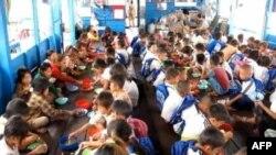 Ngôi trường trên biển hồ Tonle Sap