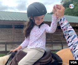 """Danna Isabella, tiene seis años y padece el síndrome de """"Dandy-Walker"""", una anomalía congénita que se caracteriza por la presencia de hidrocefalia."""