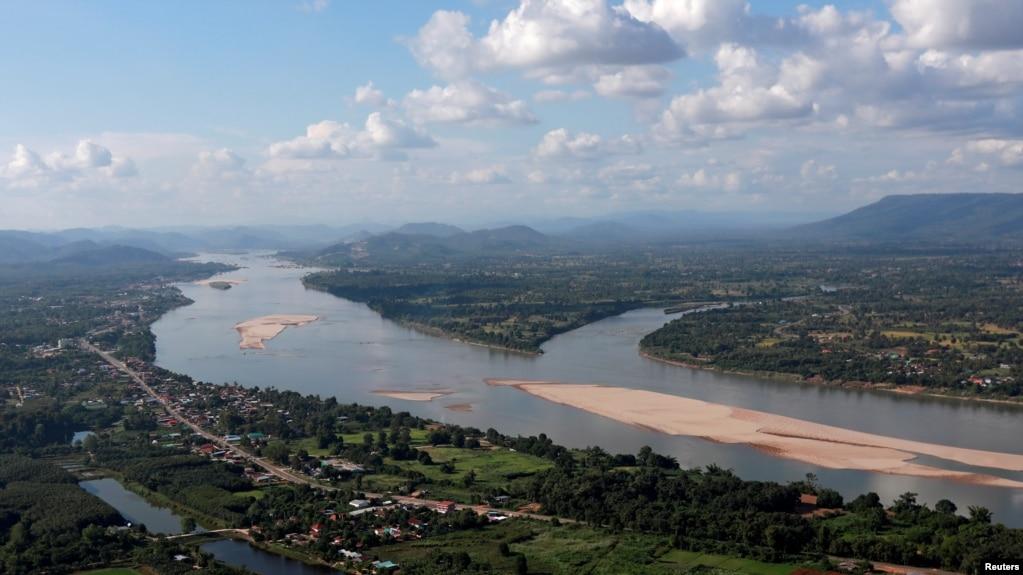 资料照:流经泰国和老挝边界的湄公河。(photo:VOA)