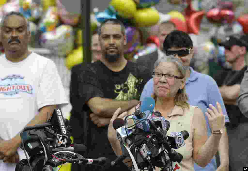 Nancy Ruiz, mother of Gina DeJesus, speaks to the media after bringing her daughter home in Cleveland, Ohio, May 8, 2013.