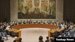 지난해 11월 미국 뉴욕 유엔본부에서 유엔 안보리가 전체회의를 열고 북한의 5차 핵실험에 대응하는 대북제재결의안을 만장일치로 채택했다.