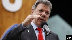 Santos ganó el Premio Nobel de la Paz el mes pasado por sus esfuerzos apara terminar una guerra de medio siglo con la guerrilla marxista de las FARC.