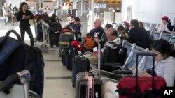 Durante el año 2013 el precio promedio se elevó a $381 dólares para vuelos dentro de EE.UU. Muy superior a lo que pagan los europeos por vuelos domésticos.
