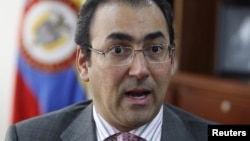 El ministro de Comercio, Industria y Turismo de Colombia, Sergio Díaz-Granados, dijo que el TLC se firmará a mediados de próximo mes de febrero.