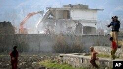Οι Πακιστανικές αρχές κατεδάφησαν και την κατοικία του Οσάμα Μπιν Λάντεν