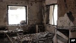Les restes de l'hôpital de MSF à Kunduz, le 16 octobre 2015. (Najim Rahim via AP)