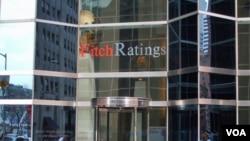 Lembaga pemeringkat kredit 'Fitch' yang berpusat di New York mengkhawatirkan krisis Zona Euro yang berkepanjangan dan peningkatan prospek kredit negatif baru-baru ini yang berpotensi menghambat pemulihan ekonomi global (foto: dok).