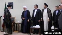 دیدار آیت الله خامنه ای با اعضای دولت حسن روحانی
