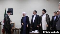 خامنه ای، رهبر جمهوری اسلامی و اعضای دولت