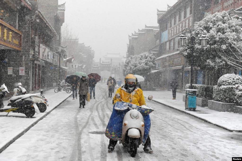 2018年1月3日,中國湖北省襄陽,雪花飄飄。