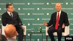 联邦参议员斯科特2020年2月28日在哈德逊研究所发表演说,举行座谈讨论。(美国之音记者李逸华拍摄)