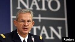 General Deni Mersije, vrhovni komandant Savezničkog zapovedništva za transformiranje u NATO-u, tokom pres konferencije nakon 117. Vojnog komiteta šefova odbrane u Briselu, Belgija, 17. maja 2017.